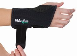 Mueller Green Fitted Wrist Brace Right L/XL 86273ML